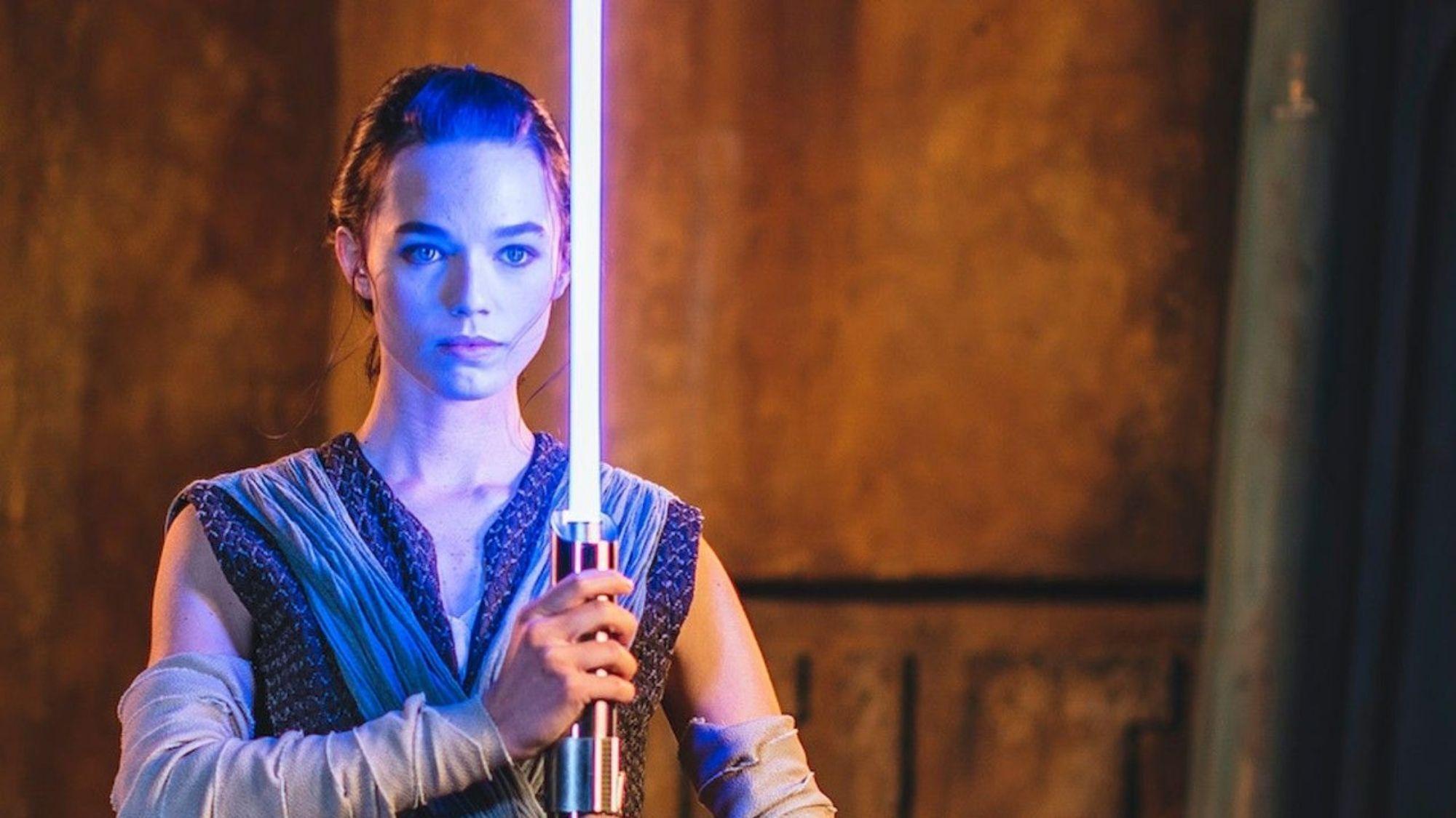 Disney World brandishes 'working' lightsaber