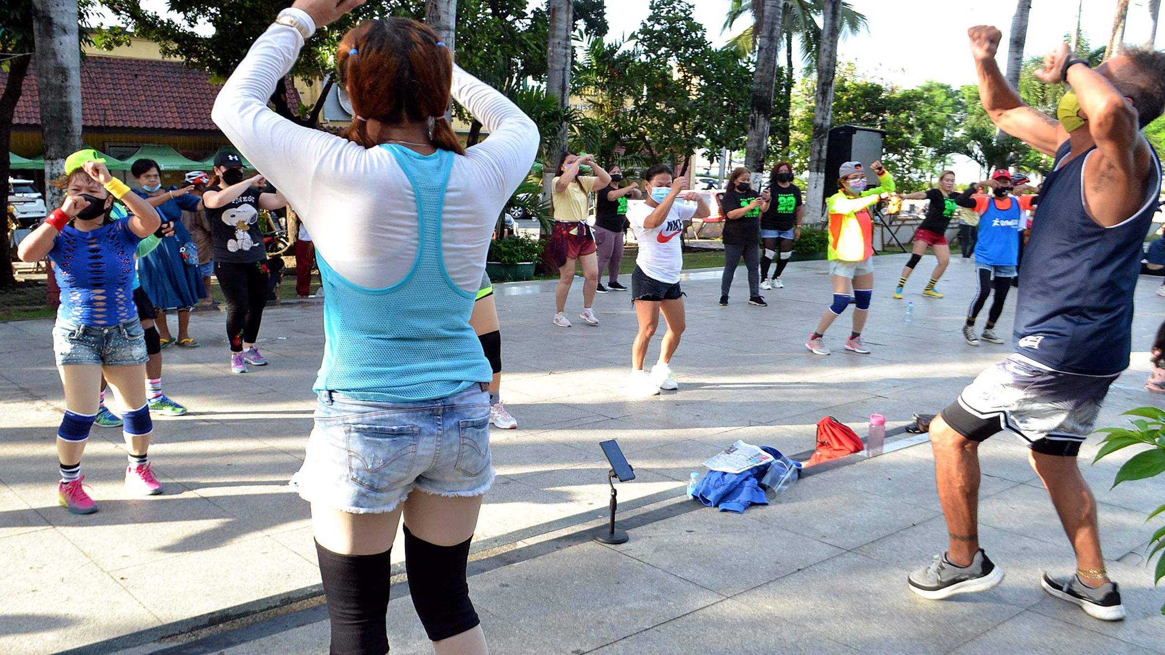ZUMBA ENTHUSIASTS BACK ON THE STREETS photo Mike Taboy
