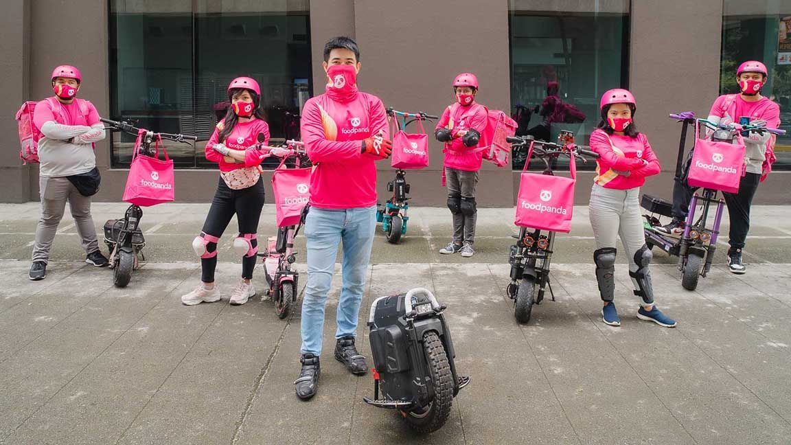 Foodpanda starts using electric scooters for deliveries photo from TopBikes PH