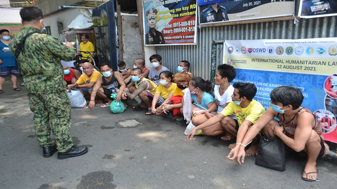 PRISONERS UNDER QUARANTINE photo by Mike Taboy
