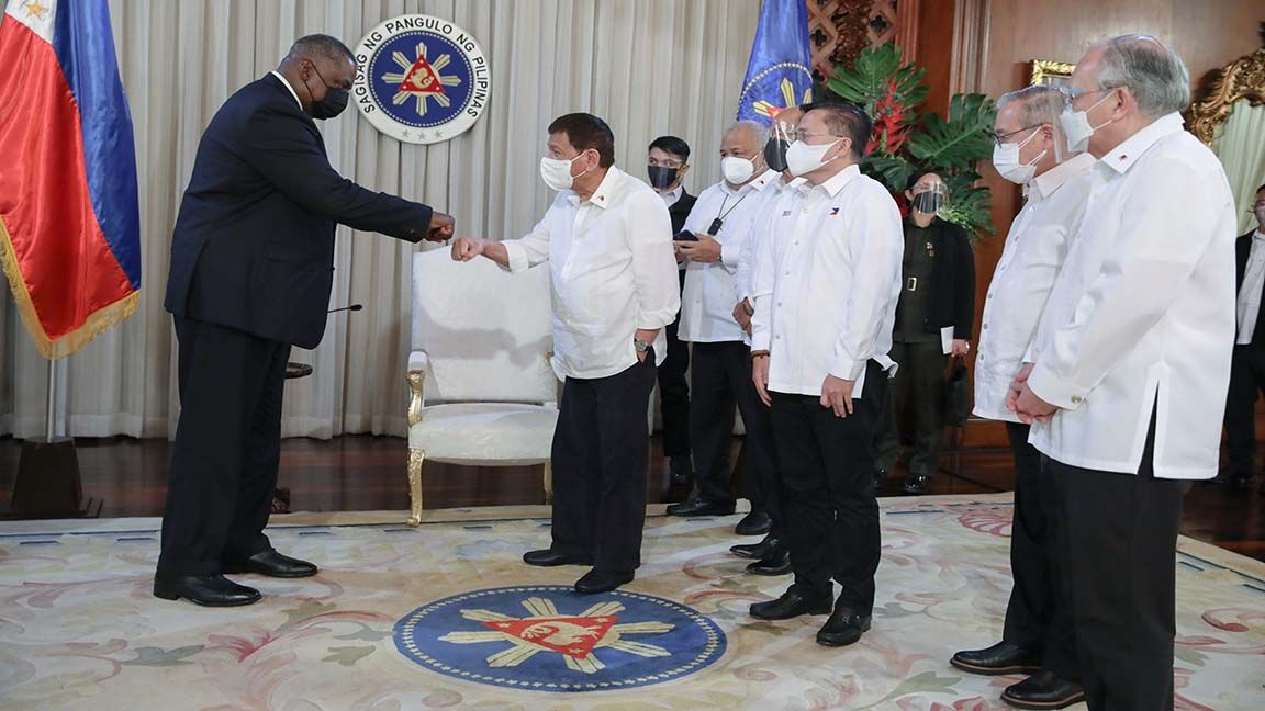 Best friends again! PH-US alliance makes Duterte reconsider VFA photo from PCOO