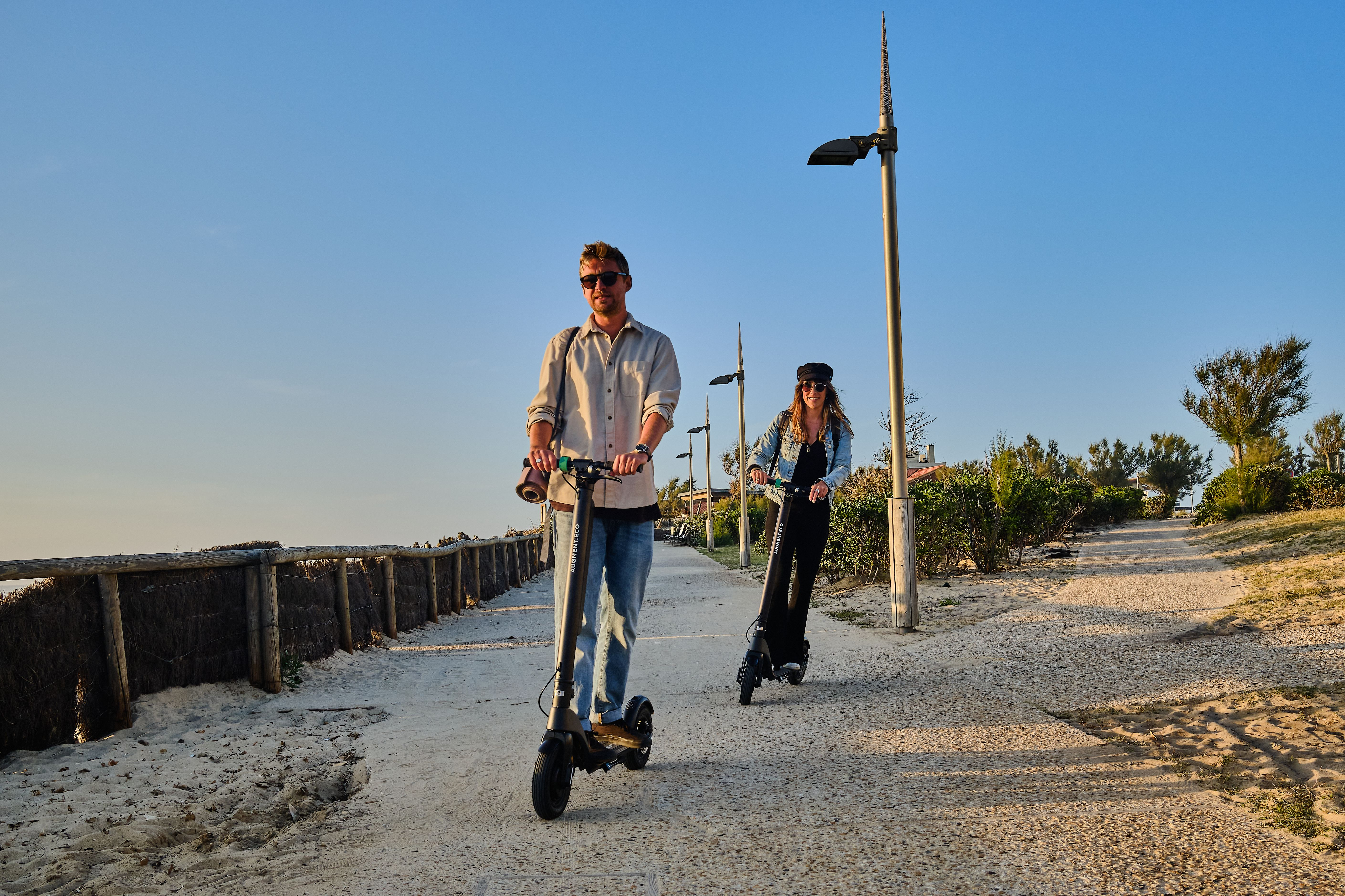 Augment ES 210 e-scooter on the beach