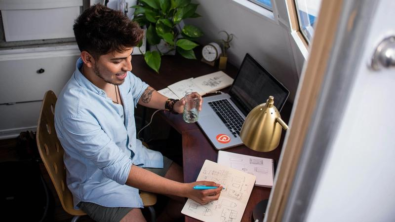 Cover for 9 Fiverr Alternatives To Earn More Money Online