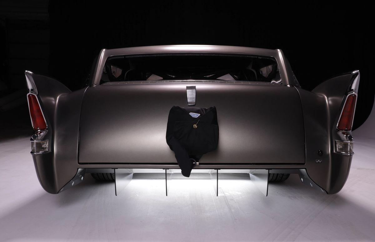 Fin Car