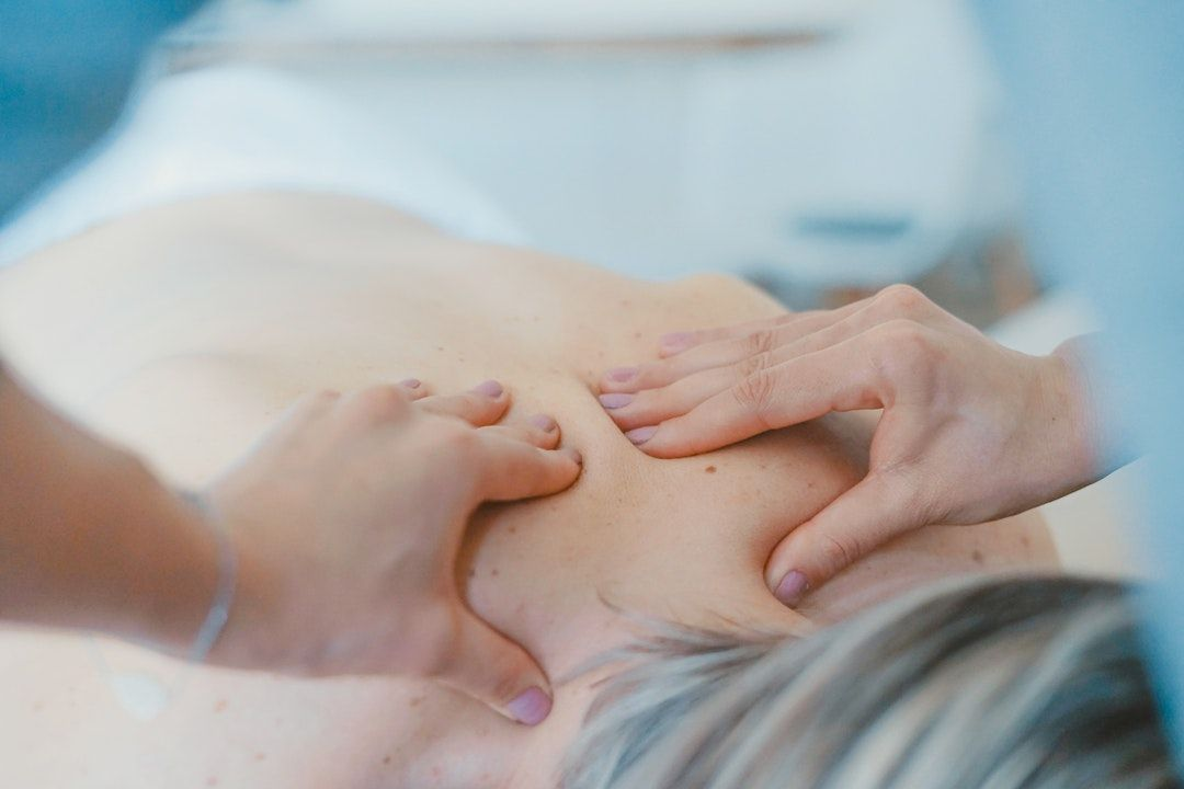 7 Proven & Effective Chiropractic Techniques for Back Pain