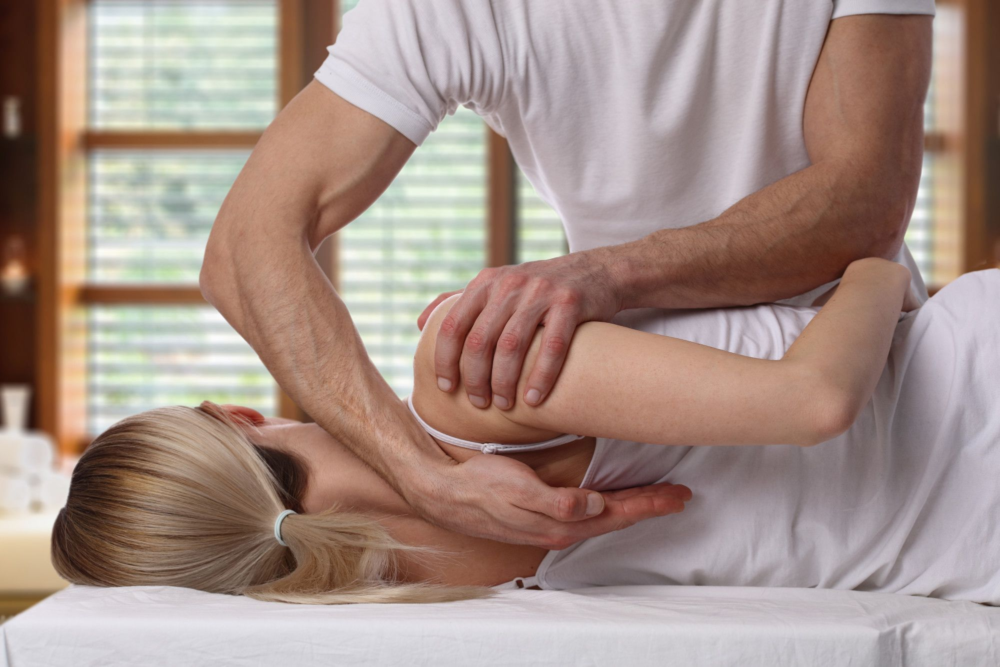 Should I See a Chiropractor? 7 Signs That It's Time