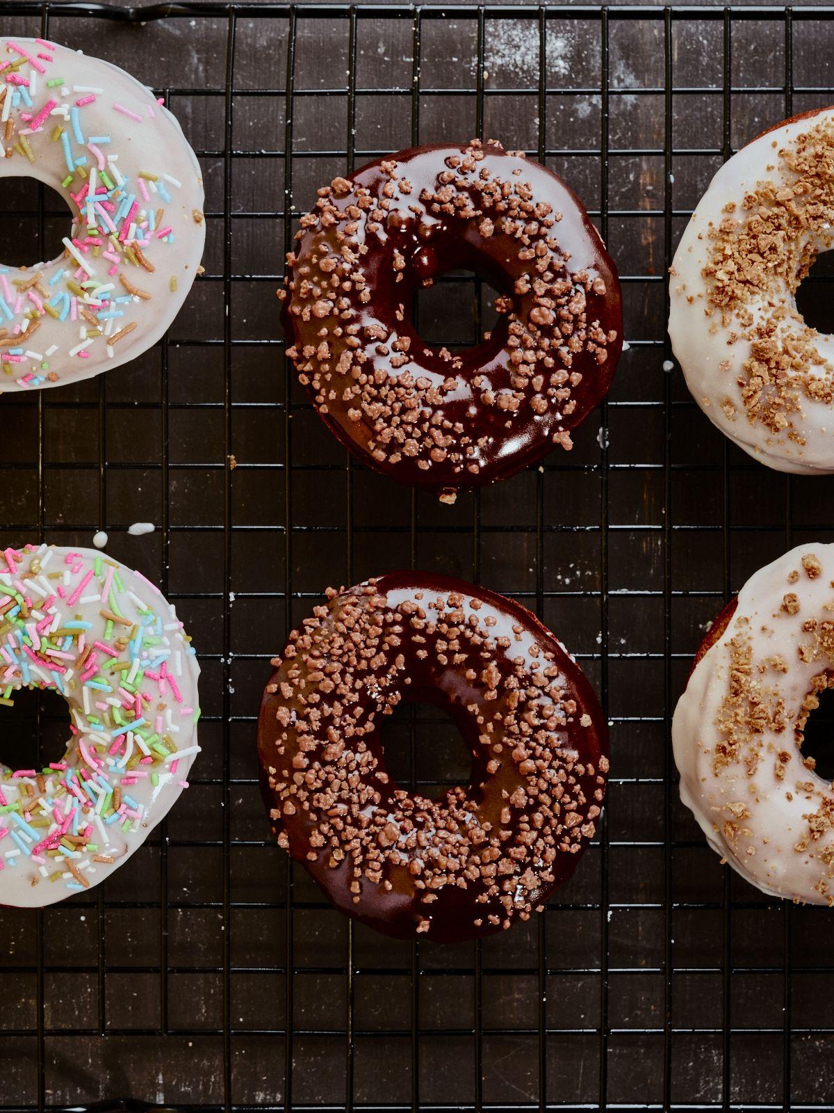 Doughnuts med forskjellig topping