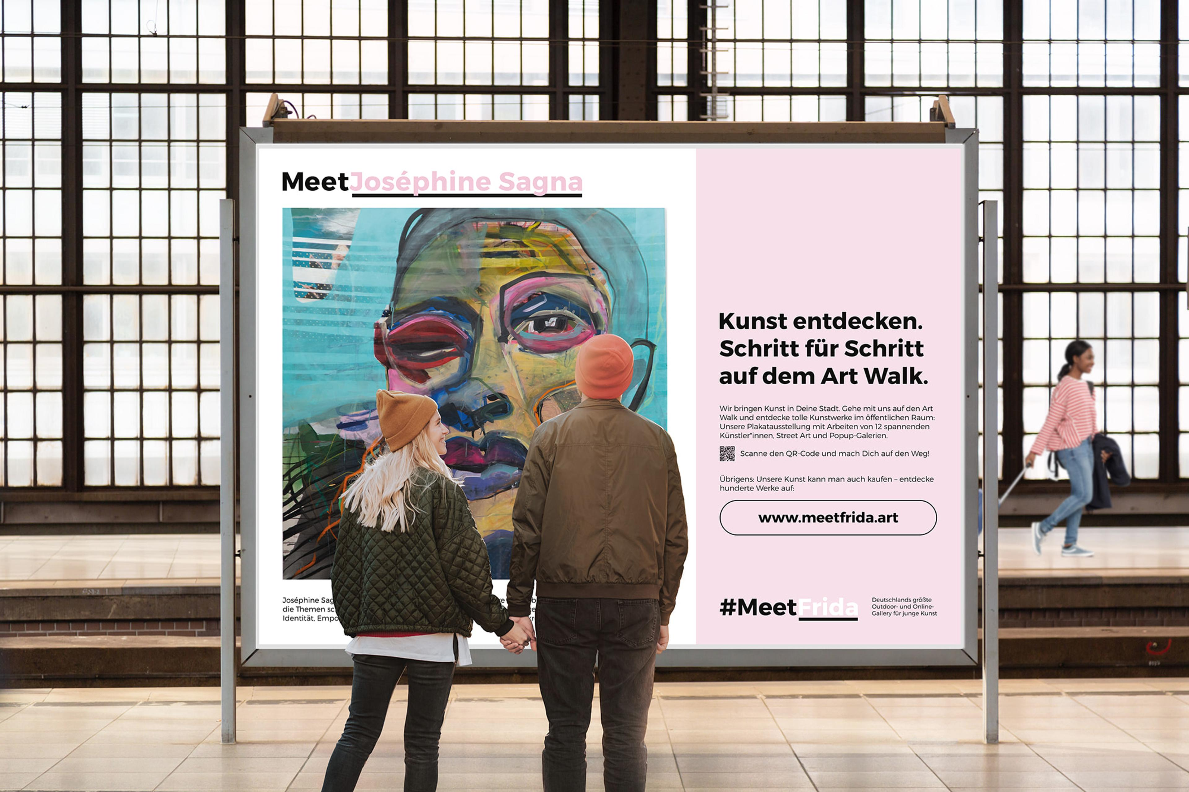 MeetFrida Plakat vor Elbphilharmonie