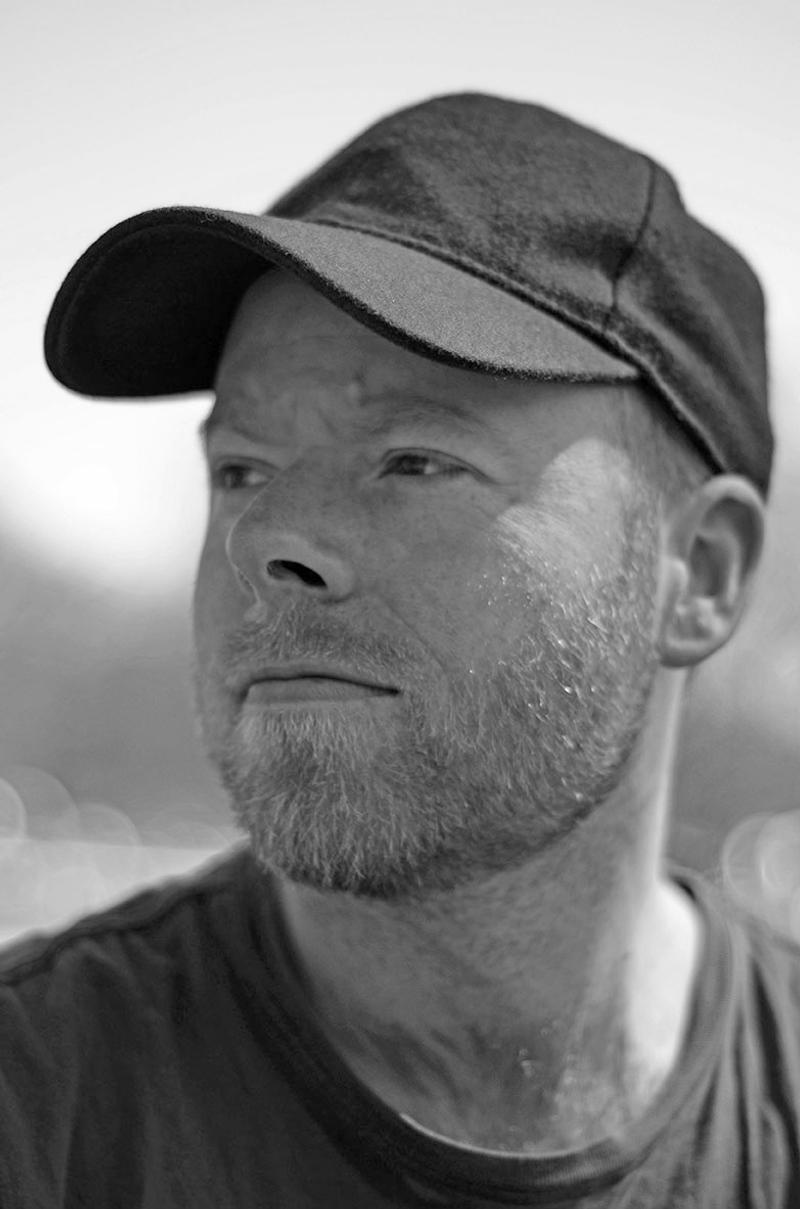 Schwarz Weiß Portraitfoto von Daniel Engelberg
