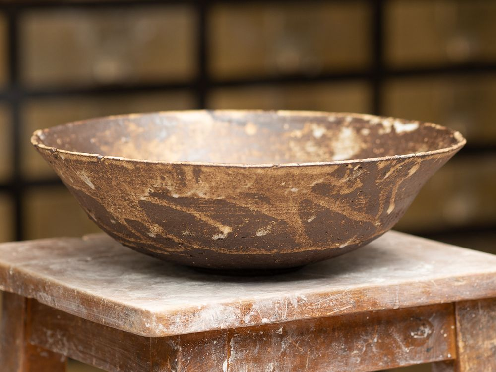 Large serving bowl - outside