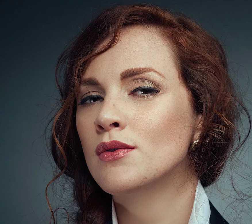 Jessica Costelloe - Mezzo-soprano