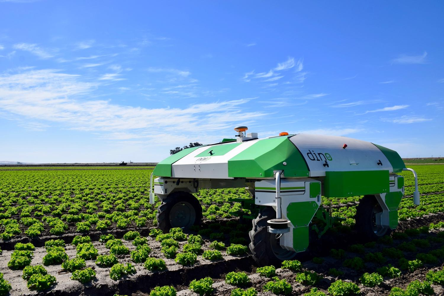 Dino weeding robot for vegetables, by Naïo Technologies