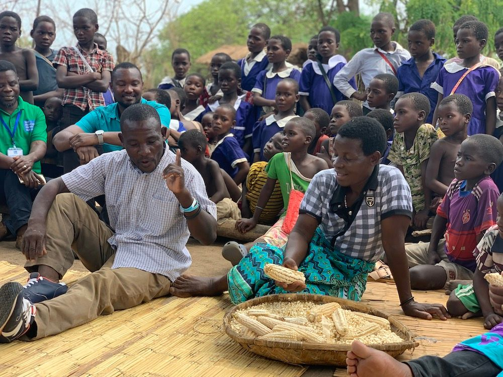 Bared_Footwear_The_Hunger_Project_Malawi_Sifu_Elina_Community