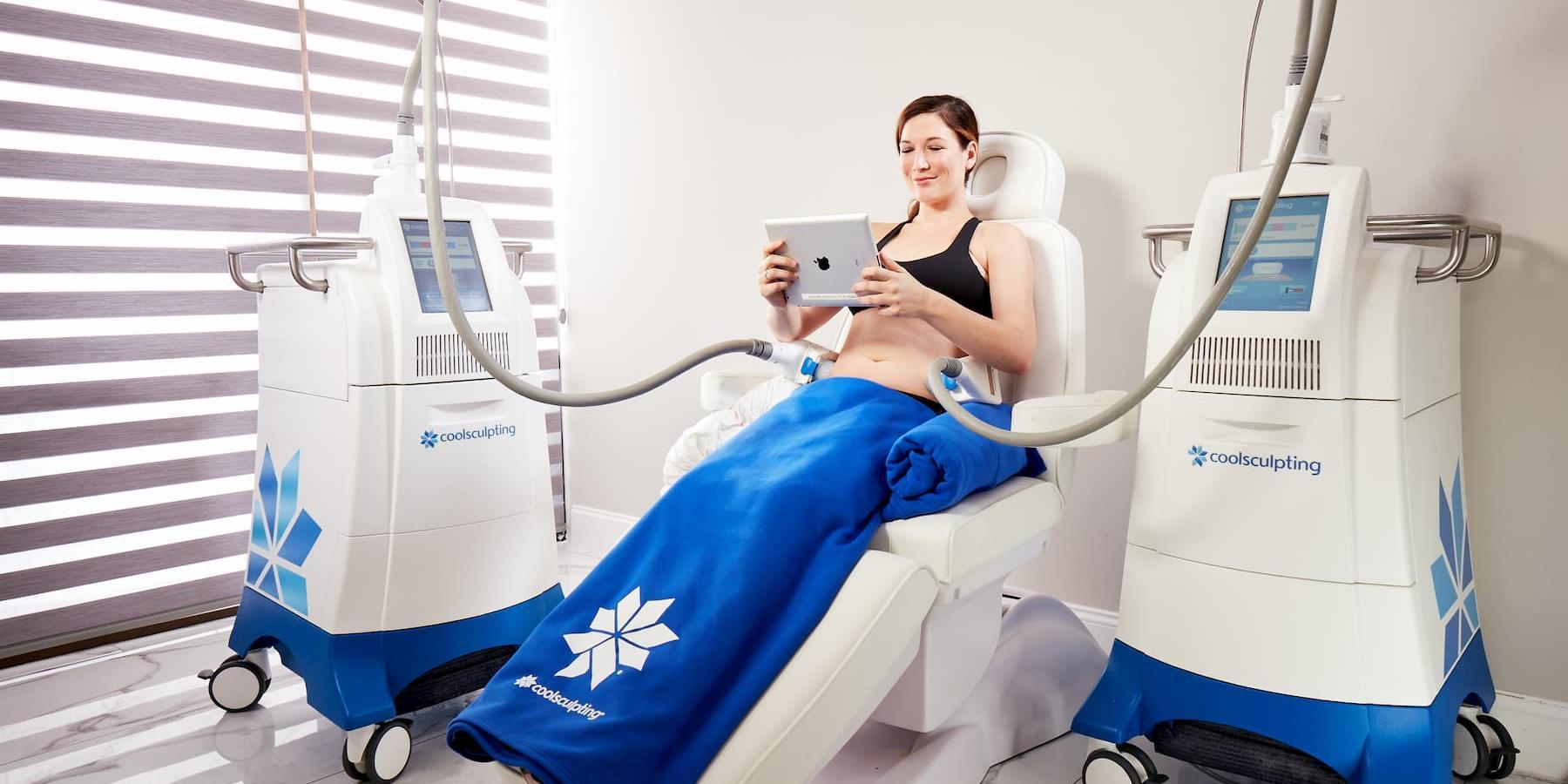 Woman receiving Coolsculpting treatment